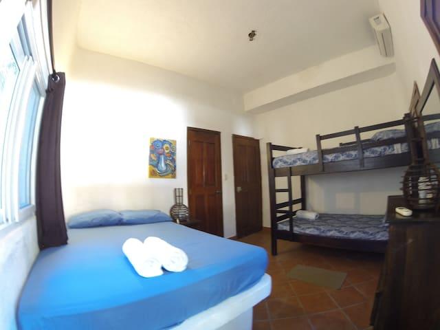 Hotel Marbella EcoLodge CUADRUPLE Room 7 to Garden