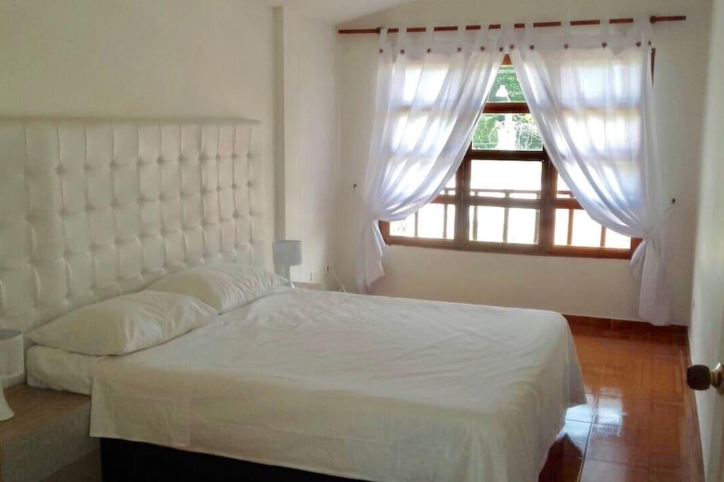 Charming house in palmira adosados en alquiler en for Casa muebles palmira