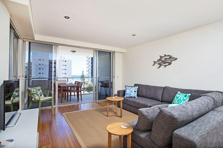 EDEN502 LUXURY APARTMENT ONE STREET FROM BEACH - Coolangatta - Apartemen