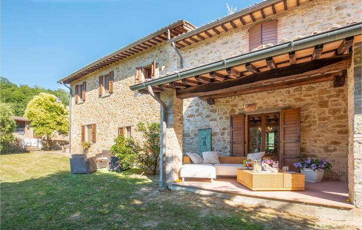 Holiday cottage with 1 room on 55m² in Citta´di Castello -PG-