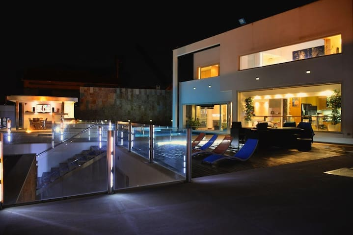Villa Branca luxury House in Ericeira