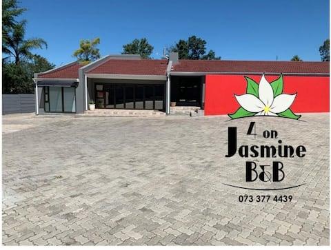Entire Guest suite. 4 On Jasmine B&B (Mthatha).