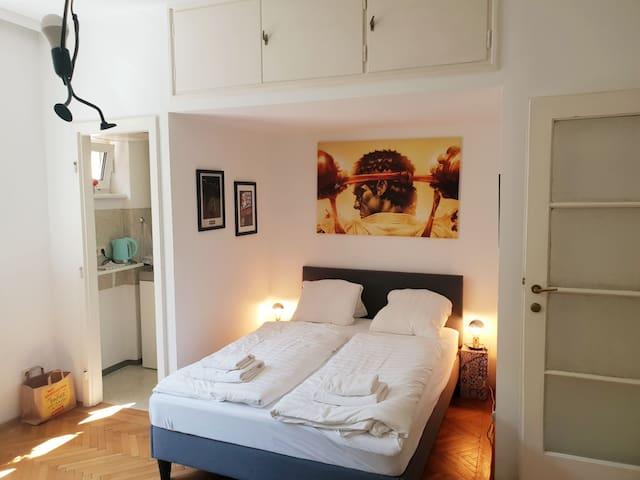 Marvellous, fantasy flat, close to center, quiet!!