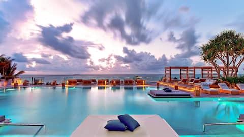 1 South Beach Suite