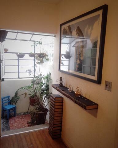 Kingsize bedroom & private bathroom @ La Mansion - México (pääkaupunki) - Talo