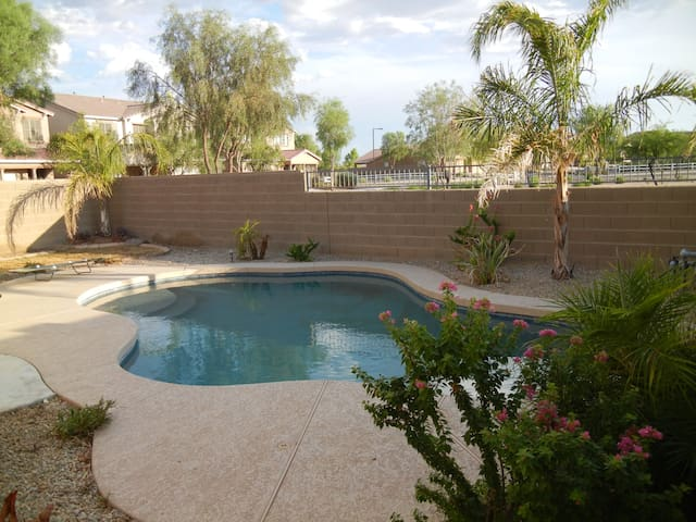 5 Star Excellent Location 1 Story Home with Pool