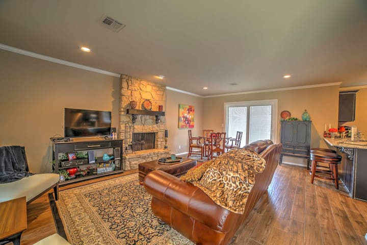This home offers 2 bedrooms, 1 bath, and accommodations for 4.