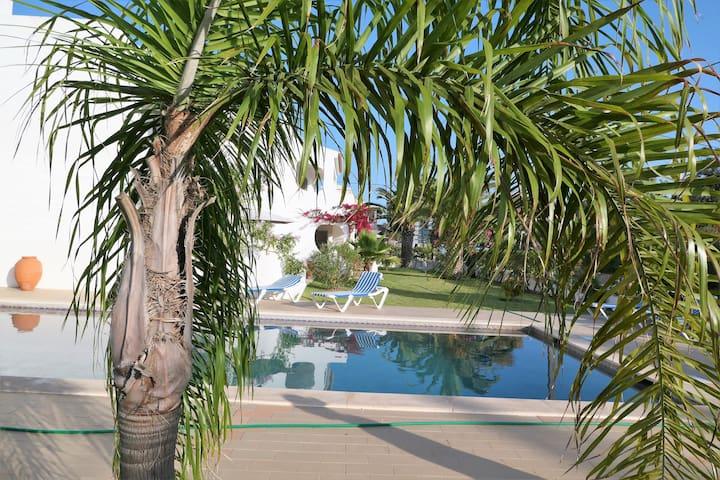 Bezauberndes Feriendomizil mit Pool