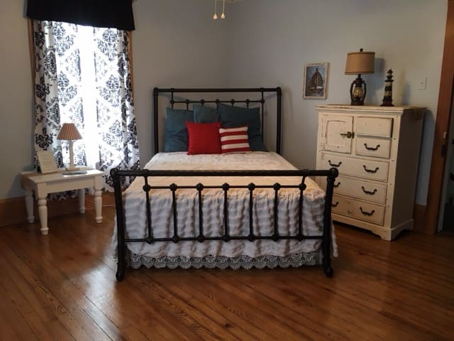 The Carriage House Bed & Breakfast: Aberdeen Room