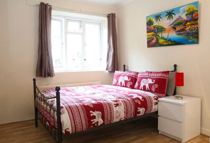 ZONE 1 - CLOSE TO LONDON BRIDGE (D3L)