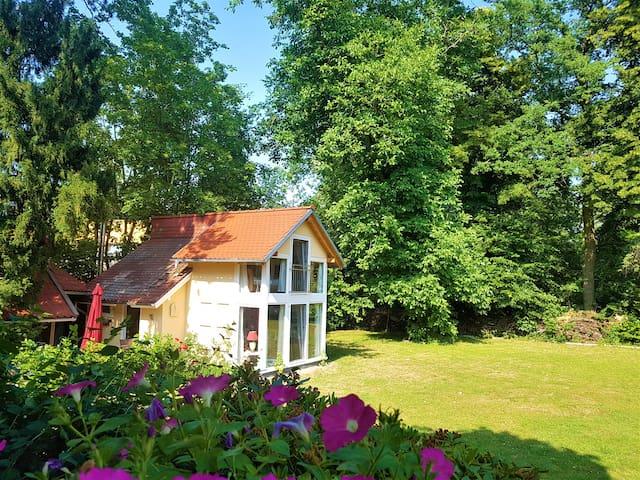 Gästehaus im Villen-Park mit Sauna