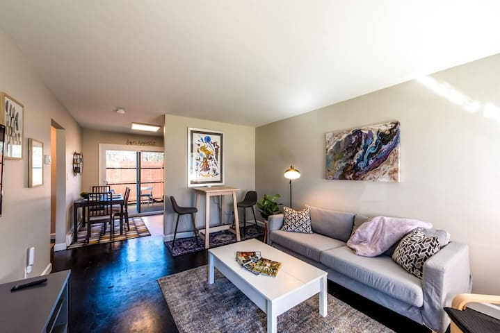 Peaceful Newly Renovated 1-BR Apartment