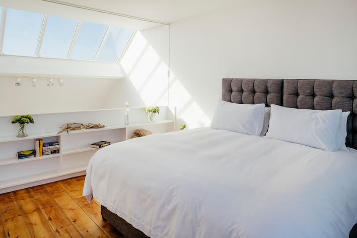 Superking or twin bedroom
