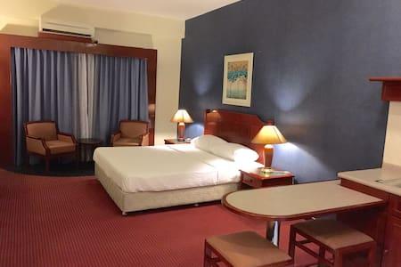 Rainbow Paradise Seaview Resort - Georgetown - Wohnung