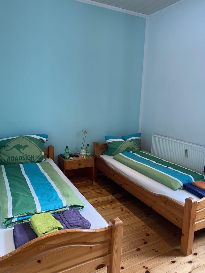Economy Doppel-/Zweibettzimmer mit Balkon