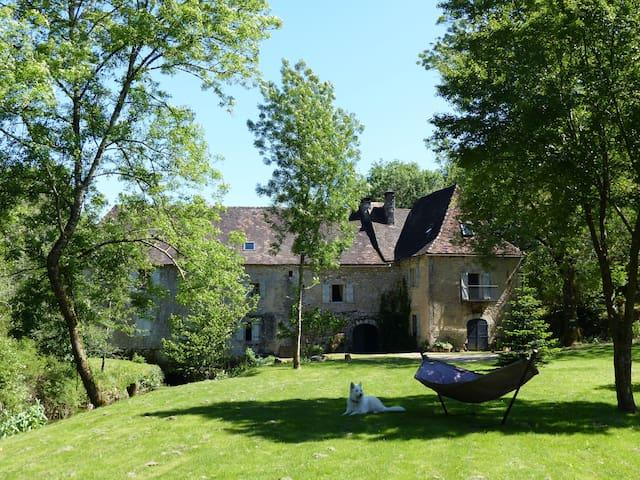 Idyllic mill-house near Rocamadour