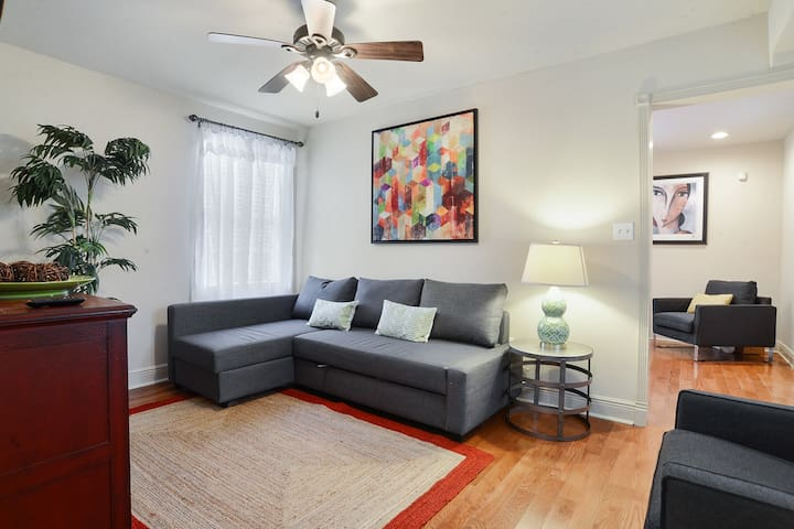 Cozy 1 Bedroom 1 Bathroom Apartment In Treme Apartments For Rent In New Orleans Louisiana
