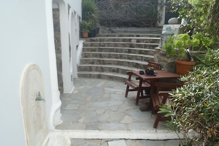 two stone build beds garden view in town 121 - Mikonos - Loft