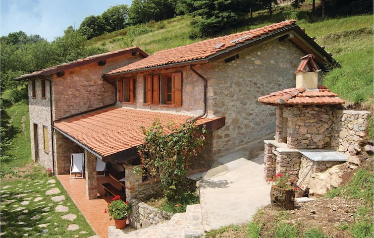 Holiday cottage with 2 bedrooms on 75m² in Camaiore LU