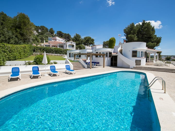 Villa with private pool and sea view – Villa Isabel
