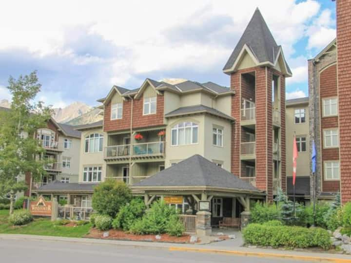 Amazing 1 BR/ 1 Bath condo in the heart of Canmore