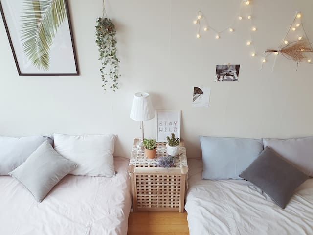 ★Conti House #1 in Sindorim★ [Twin Queen bed]