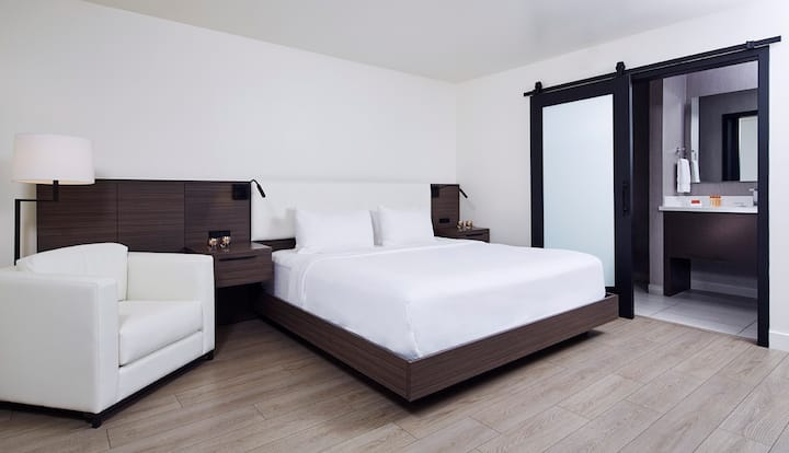 Private, King Bed in Boutique hotel in Palo Alto