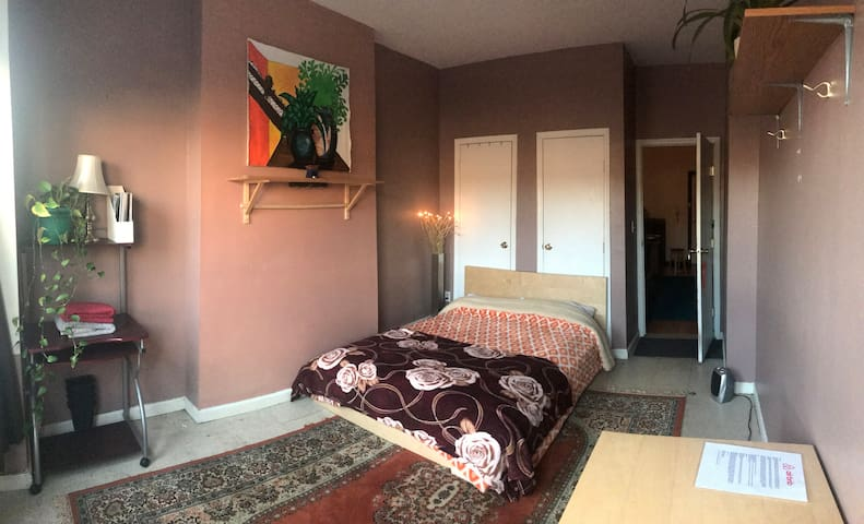 Private Room 2 In Beautiful Sunset Park Brooklyn
