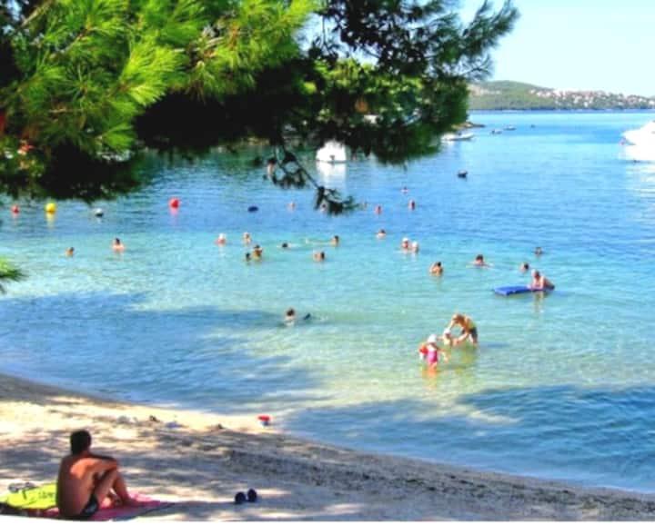 Beach 30m-Studio apt-near old town Trogir