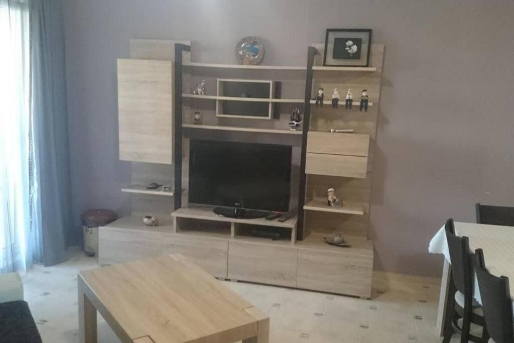 Zona giorno, divano letto, tv