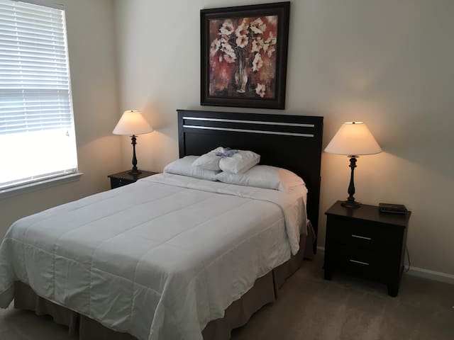 Third Floor Rivergate Comfort - Charlotte - Apartment