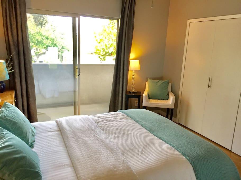 Hip West Hollywood Apartment Cable Tv Wifi Apartments For Rent In West Hollywood