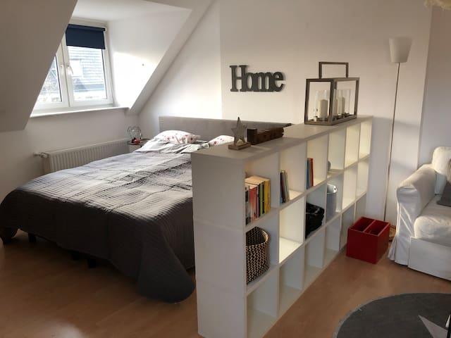 Schöne 52 qm Dachgeschosswohnung in guter Lage