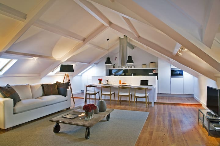 Premium apt in the heart of Lisbon by the river!