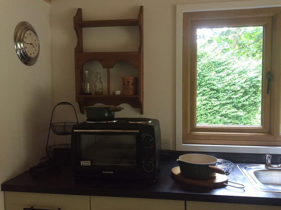 Portable Oven with twin hob.