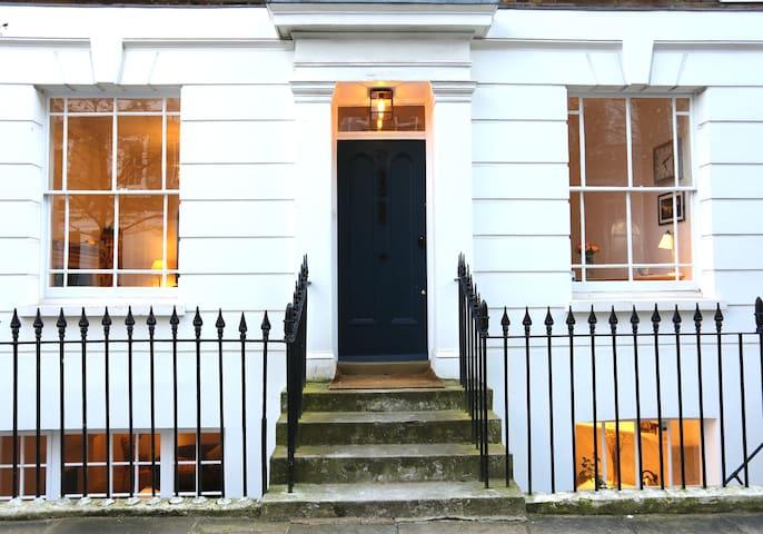 Luxury Georgian Firehouse | Zone 1 London Eye