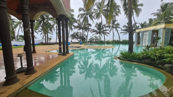 Alibaug Villa by the Beach and Pool