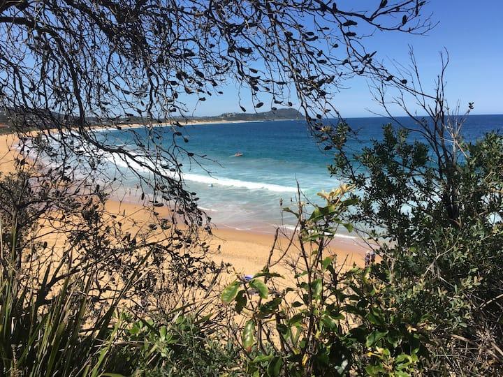 Terrigal Beach Retreat 400m 2 beach