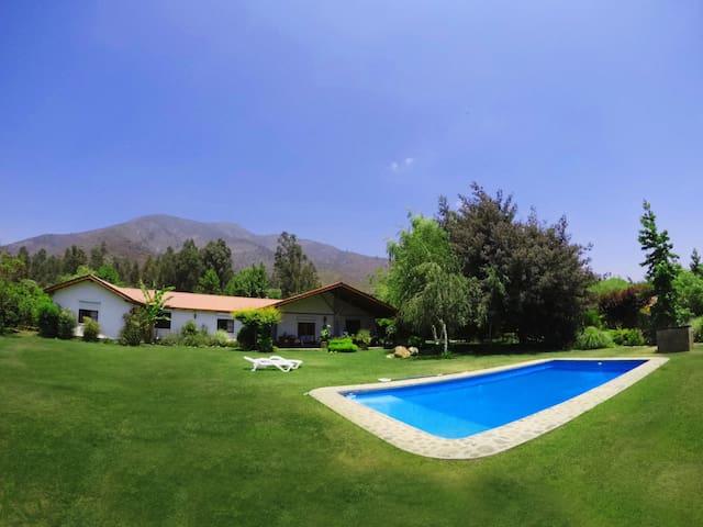 Linda Parcela en Olmué, piscina, quincho y multica