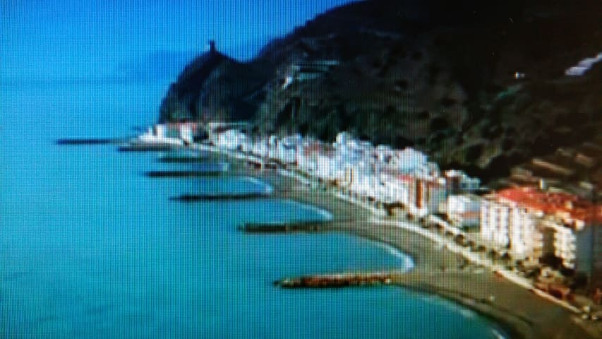 Se alquila apartamento apie de playa  VFT/GR/01082
