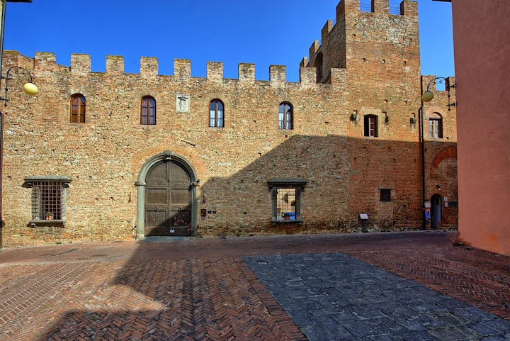 Certaldo 1 - Vacation Rental in historical centre of Certaldo, Tuscany