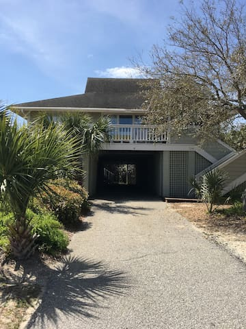 Family Beach House 6 B