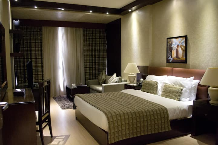 Fully Serviced Cosy Junior Suite- IS102