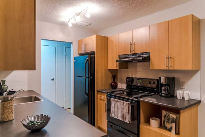 Great pricing, great location, beautiful apartment