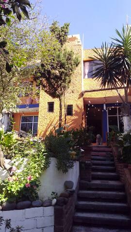 Habitación ideal a 15 min de Santa fe e Interlomas