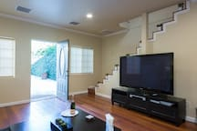 BUNGALOW IN GREAT LOCATION!
