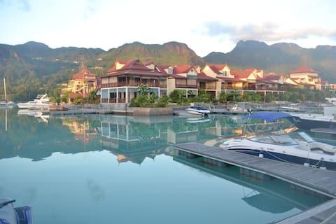 Eden Island - Luxury ground floor beach apartment