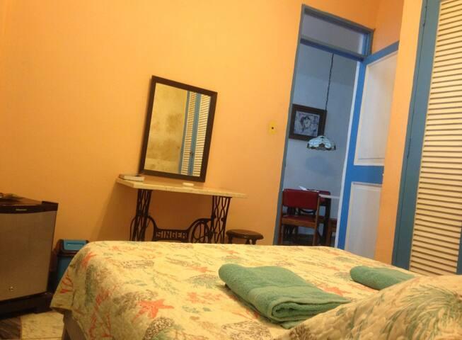 Bedroom / Habitación