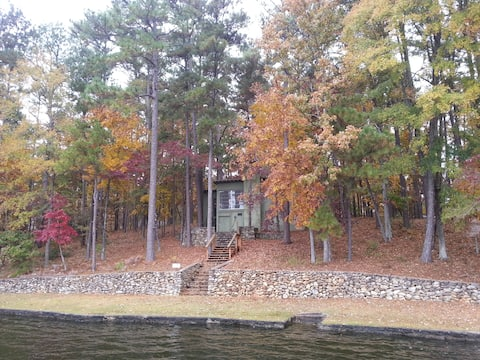 Cozy Lake Cottage in Titus - Driftwood Road