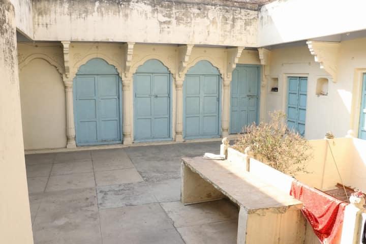 Shanti Niwas <==>A Doorway to Heritage Abode